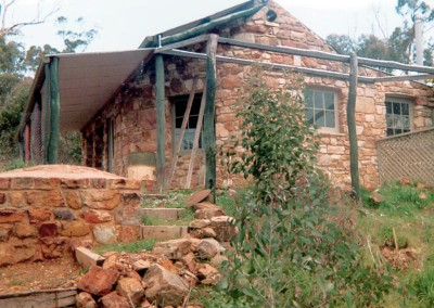 Veranda goes up - Trestrail Cottage, bed and breakfast accommodation